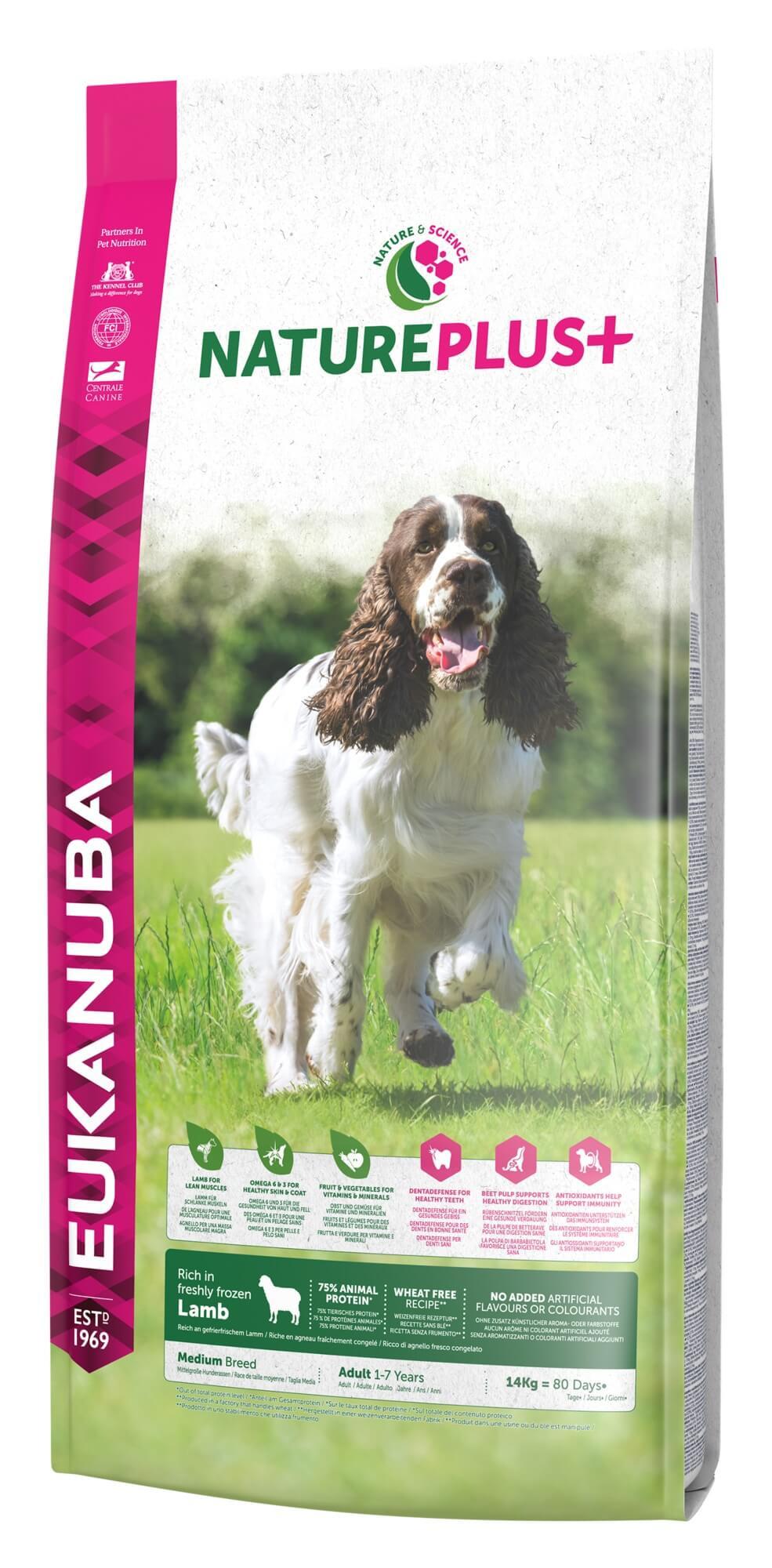 Eukanuba NaturePlus+ Adult Medium Breed Lam hondenvoer